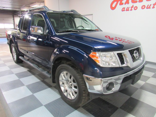 2011 Nissan Frontier SL Crew Cab 4WD in Cleveland