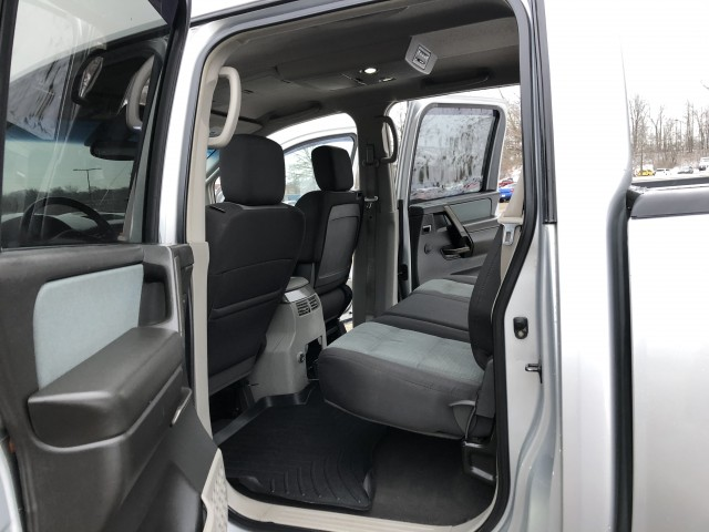 2004 Nissan Titan SE Crew Cab 4WD for sale at Summit Auto Sales