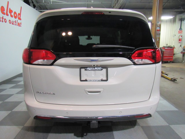 2017 Chrysler Pacifica Touring-L Plus in Cleveland