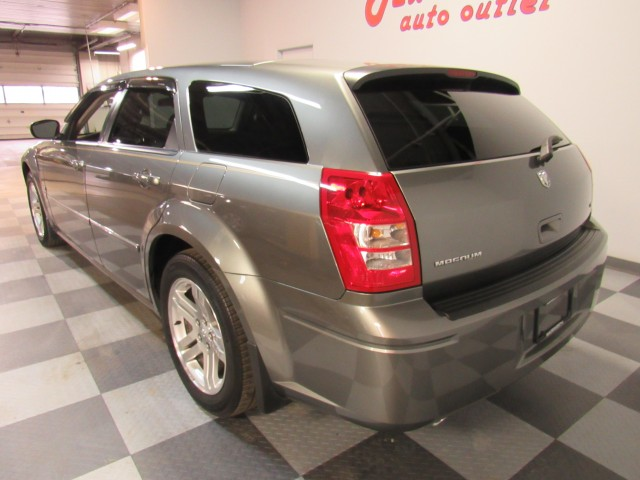 2005 Dodge Magnum RT in Cleveland