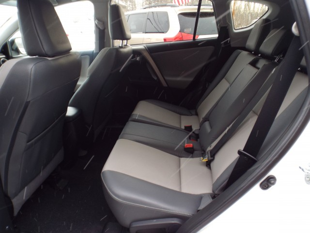 2015 TOYOTA RAV4 LIMITED for sale at Carena Motors
