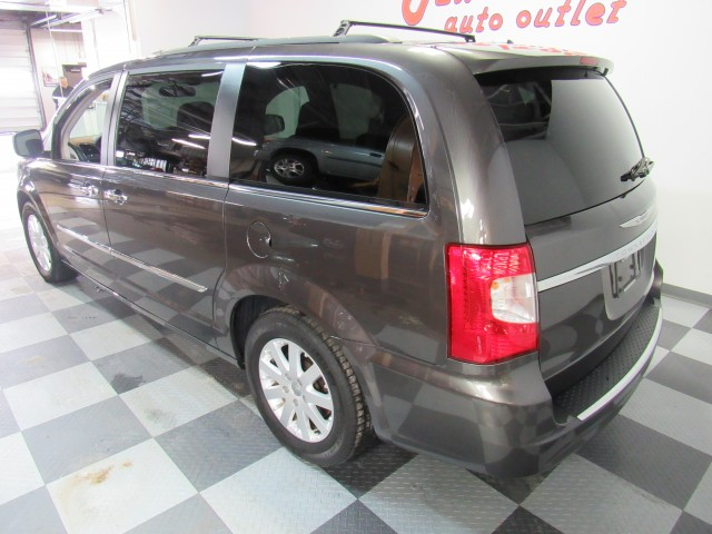 2015 Chrysler Town & Country Touring in Cleveland