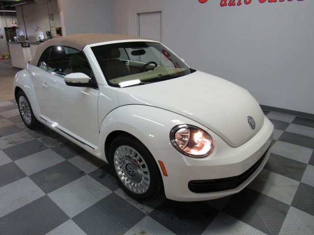 2013 Volkswagen Beetle 2.5L Convertible in Cleveland