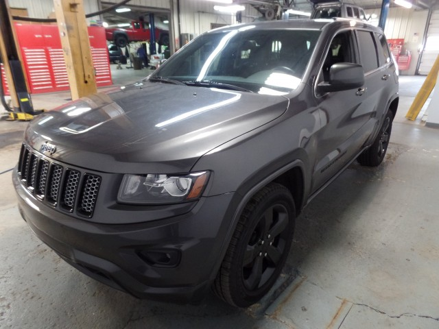 2014 jeep grand cherokee altitude edition 4wd for sale at axelrod auto outlet view other. Black Bedroom Furniture Sets. Home Design Ideas