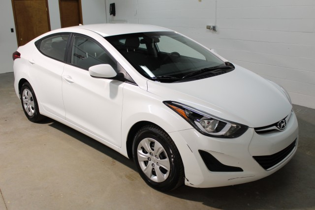 2016 HYUNDAI ELANTRA SE for sale | Used Cars Twinsburg | Carena Motors