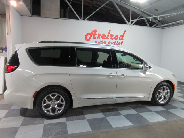 2017 Chrysler Pacifica Limited in Cleveland