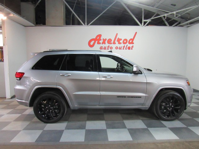 2019 Jeep Grand Cherokee Altitude Edition 4WD in Cleveland