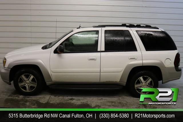 2005 CHEVY TRAILBLAZER LS 4WD - RECENT TRADE IN - FULLY SERVICED AND READY TO GO - CALL 330-854-5380! for sale at R21 Motorsports