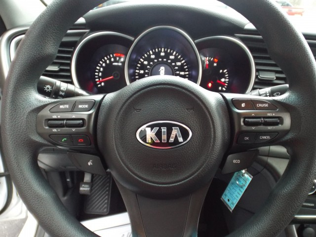 2015 KIA OPTIMA LX for sale at Carena Motors
