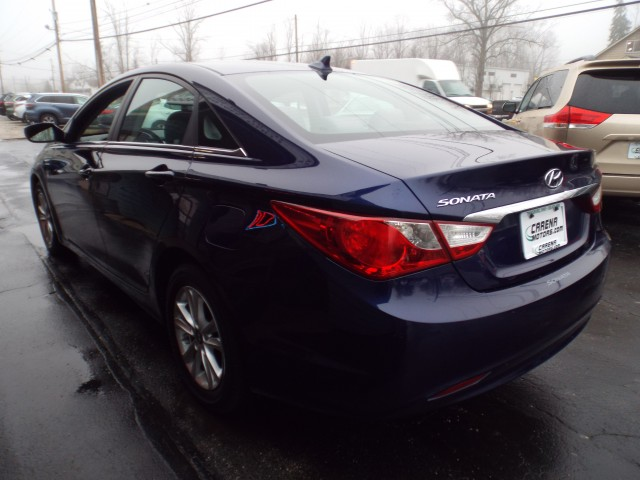 2011 HYUNDAI SONATA GLS for sale at Carena Motors