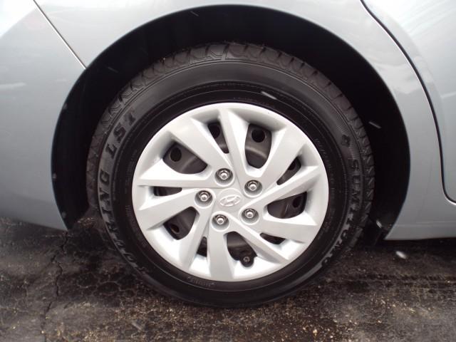 2017 HYUNDAI ELANTRA SE for sale at Carena Motors