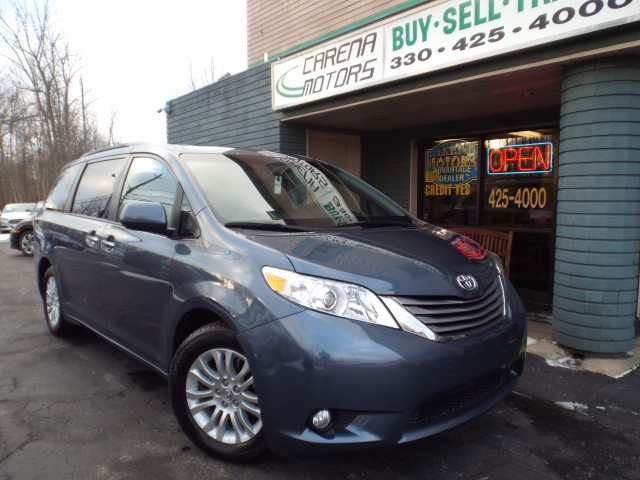 2015 TOYOTA SIENNA for sale at Carena Motors