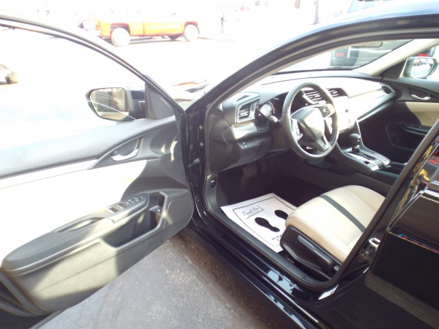 2016 HONDA CIVIC LX for sale at Carena Motors