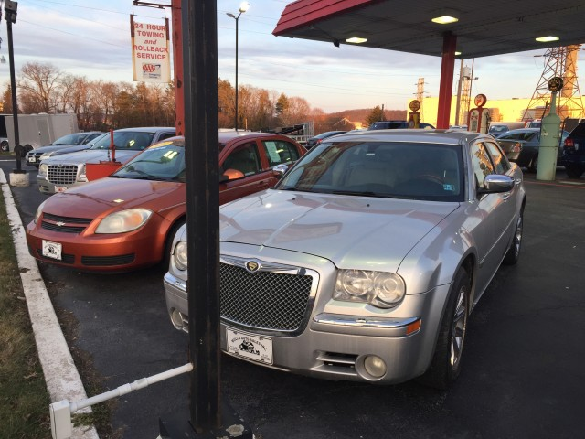 2005 Chrysler 300 C for sale at Mull's Auto Sales
