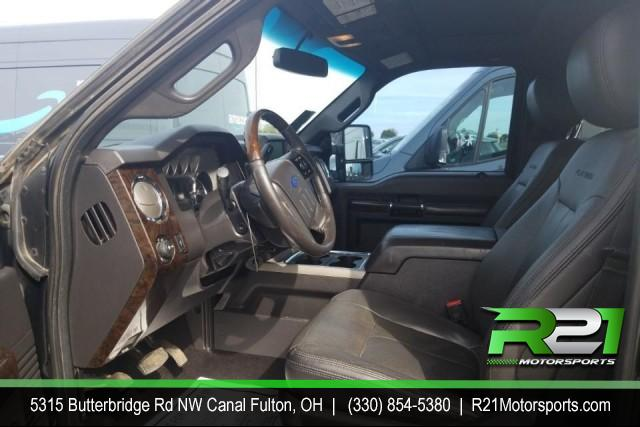 2015 FORD F-350  PLATINUM - CREW CAB - 4WD  - RUST FREE SOUTHERN TRUCK JUST IN TIME TO TOW YOUR TOYS - CALL 330-854-5380 FOR DETAILS!! for sale at R21 Motorsports