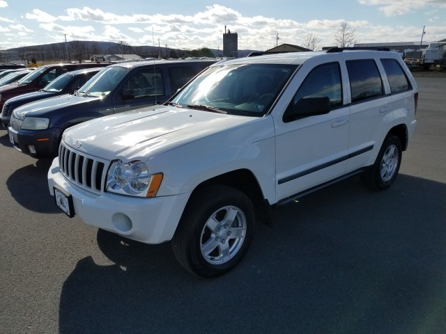 2007 Jeep Grand Cherokee Laredo 2WD for sale at Mull's Auto Sales