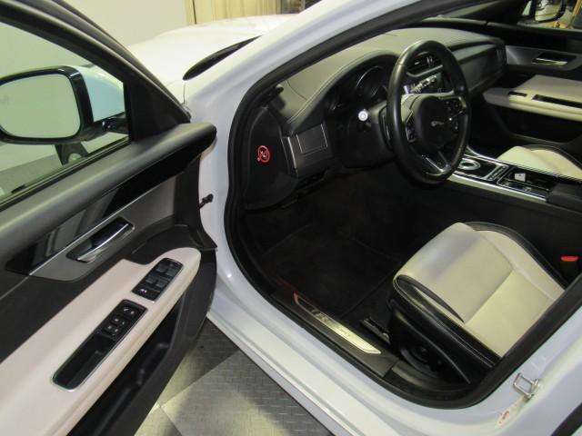 2016 Jaguar XF-Series 35t R-Sport AWD in Cleveland