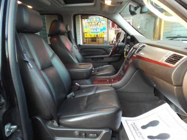2010 CADILLAC ESCALADE HYBRID for sale at Carena Motors
