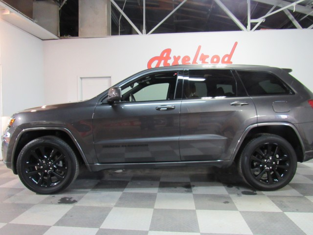 2017 Jeep Grand Cherokee Altitude Edition in Cleveland