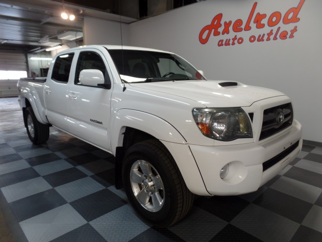 2010 toyota tacoma double cab long bed trd sport v6 auto 4wd for sale at axelrod auto outlet. Black Bedroom Furniture Sets. Home Design Ideas