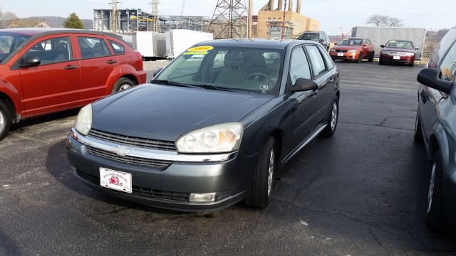 2004 Chevrolet Malibu MAXX LT for sale at Mull's Auto Sales
