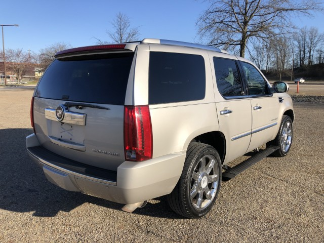 2007 Cadillac Escalade AWD for sale at Summit Auto Sales