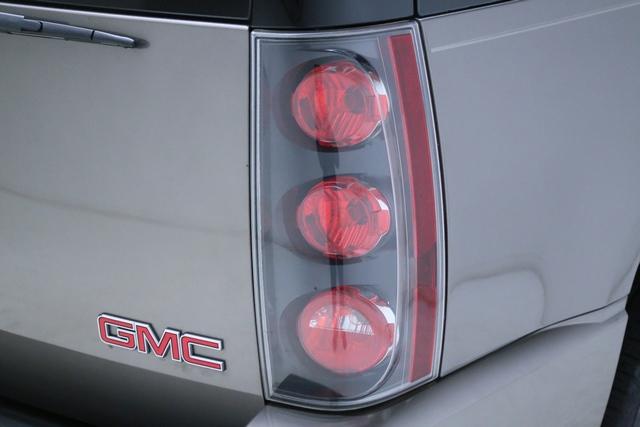 2011 GMC YUKON DENALI for sale at Carena Motors