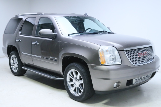 2011 GMC YUKON DENALI for sale | Used Cars Twinsburg | Carena Motors