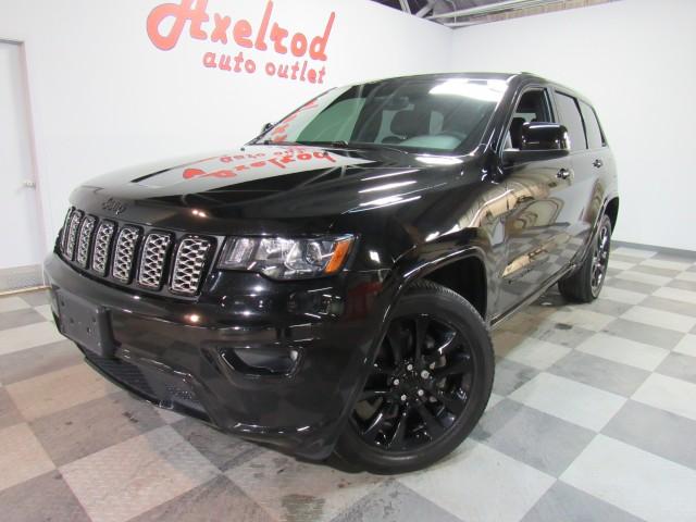 2017 Jeep Grand Cherokee Altitude Edition  4WD