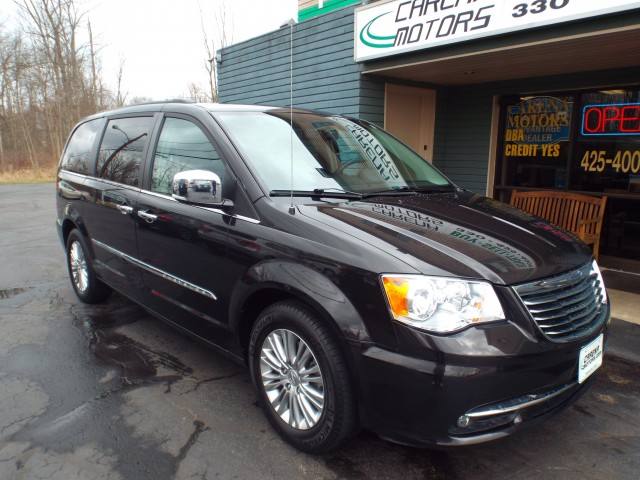 2015 CHRYSLER TOWN & COUNTRY TOURING L for sale | Used Cars Twinsburg | Carena Motors