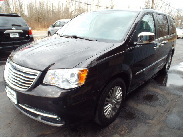 2015 CHRYSLER TOWN & COUNTRY TOURING L for sale at Carena Motors