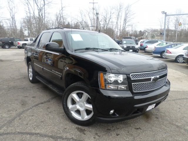 2008 CHEVROLET AVALANCHE 1500 for sale at Action Motors