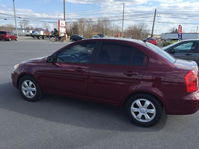 2006 Hyundai Accent GLS for sale at Mull's Auto Sales