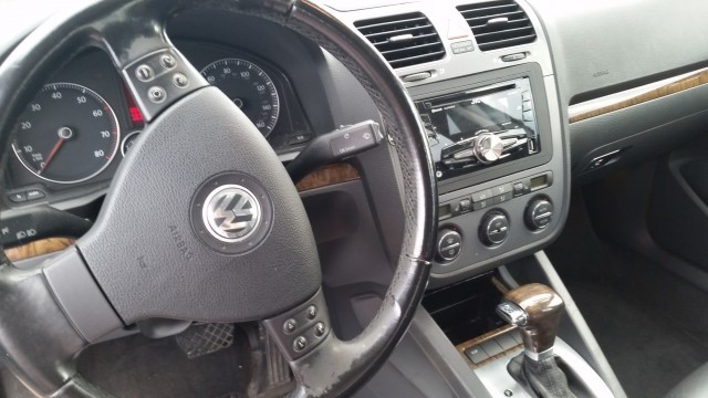 2005 Volkswagen Jetta 2.5L for sale at Mull's Auto Sales