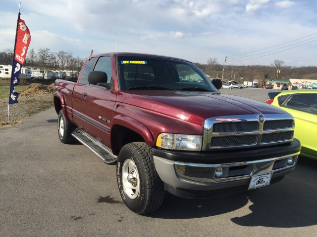 2001 Dodge Ram 1500 Quad Cab Short Bed 4WD for sale at Mull's Auto Sales