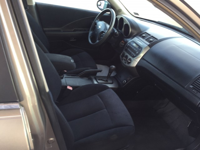 2004 Nissan Altima 2.5 S for sale at Mull's Auto Sales