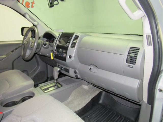 2016 Nissan Frontier SV Crew Cab 5AT 4WD in Cleveland