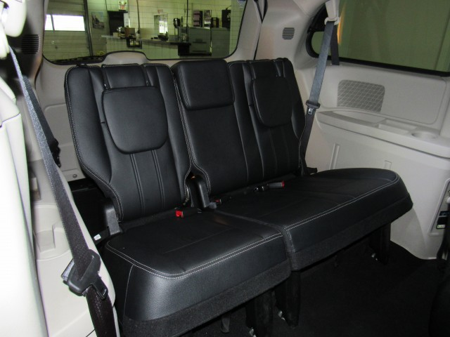 2016 Chrysler Town & Country Touring in Cleveland