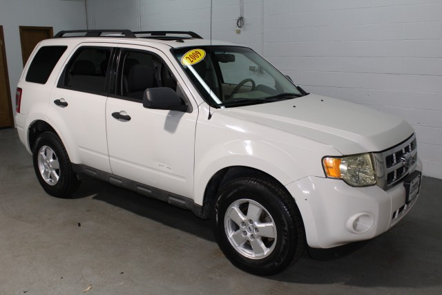 2009 FORD ESCAPE XLT for sale | Used Cars Twinsburg | Carena Motors