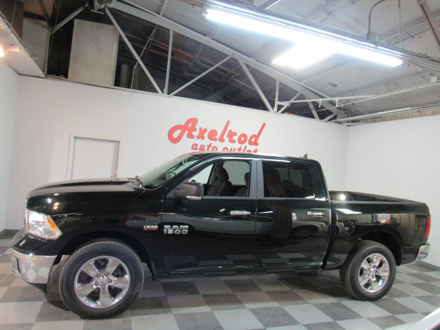 2017 RAM 1500 Big Horn Crew Cab SWB 4WD in Cleveland
