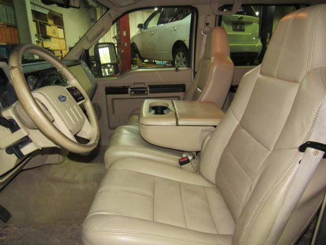 2008 Ford F-350 SD Lariat Crew Cab 4WD in Cleveland
