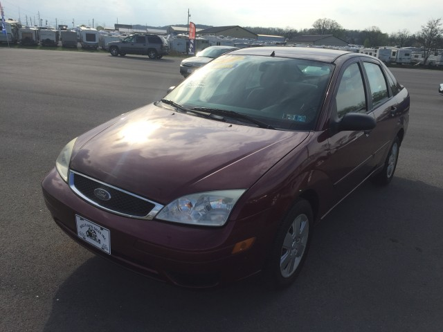 2007 Ford Focus ZX4 SE for sale at Mull's Auto Sales
