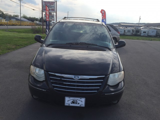 2005 Chrysler Town & Country Touring for sale at Mull's Auto Sales