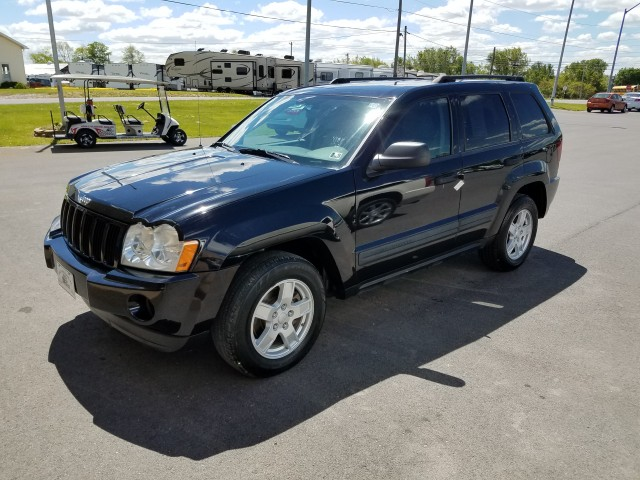 2006 Jeep Grand Cherokee Laredo 4WD for sale at Mull's Auto Sales