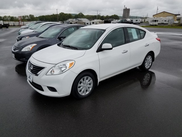 2014 Nissan Versa 1.6 S 5M for sale at Mull's Auto Sales