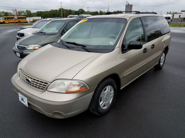 2001 Ford Windstar LX for sale at Mull's Auto Sales