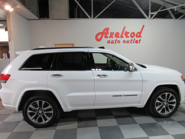 2017 Jeep Grand Cherokee Overland 4WD in Cleveland