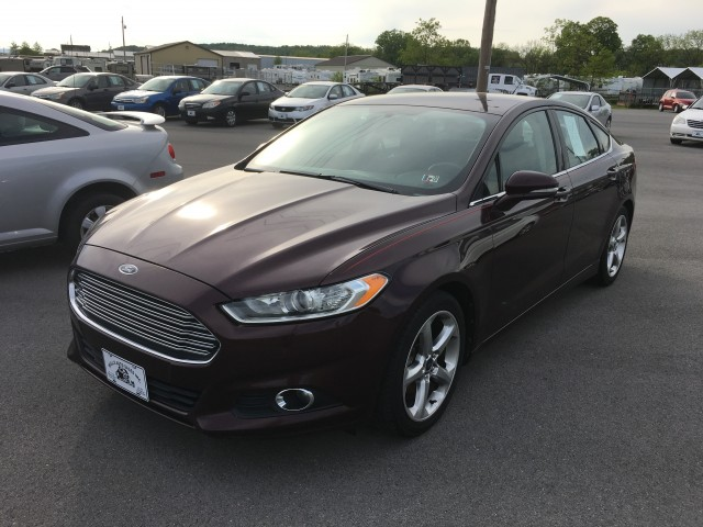 2013 Ford Fusion SE for sale at Mull's Auto Sales