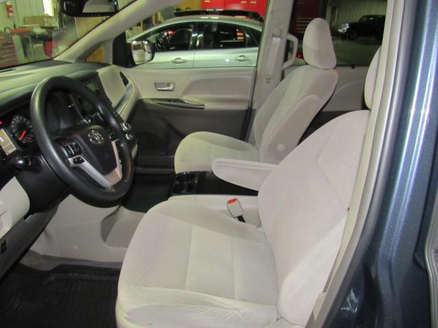 2016 Toyota Sienna LE FWD 8-Passenger V6 in Cleveland