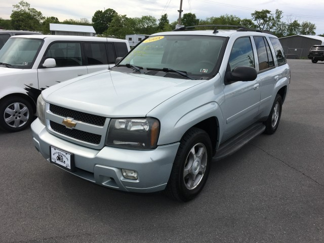 2008 Chevrolet TrailBlazer LT1 4WD for sale at Mull's Auto Sales